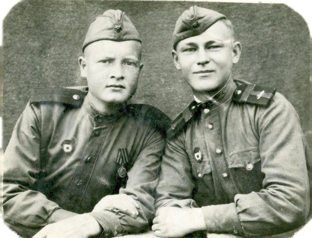 В РККА с 19 сент. 1942 г. Призван Пай-Арыкский РВК, Самаркандской обл.